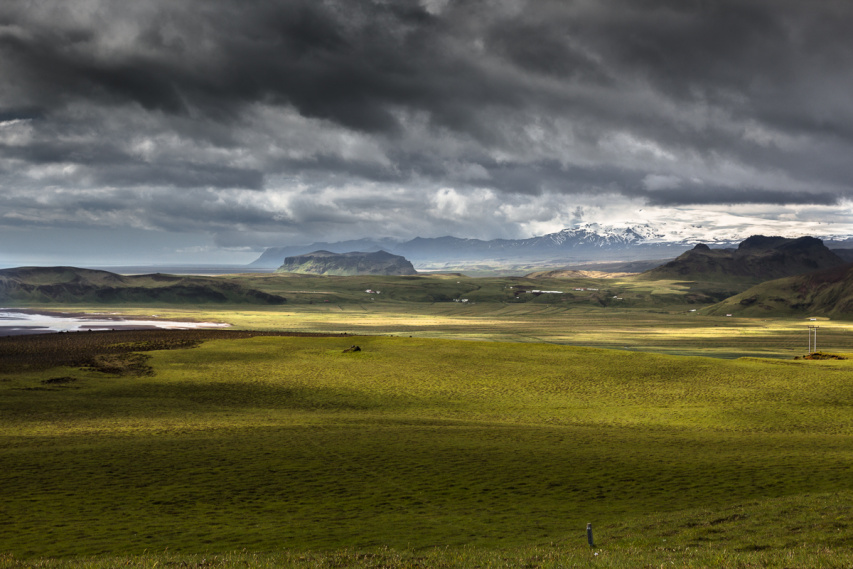 Pohled od Reynisfjary směrem k Eyjafjallajokull, foto Jakub Vaněk