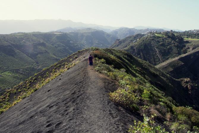 Na cestě kolem kráteru